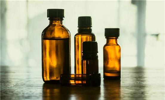 Czy Essential Oils mogą leczyć zapalenie ucha?